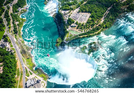 niagara falls aerial view helicopter canadian の写真素材 今すぐ