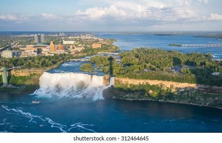 Niagara Falls/Niagara Falls in aerial view
