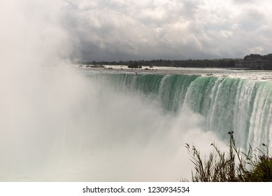 Niagara: Horseshoe falls from above with mist