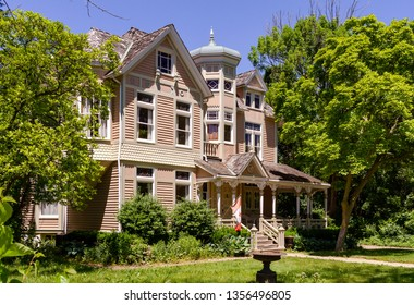 Niagara on the Lake, Ontario, Canada, June 14, 2019: The Niagara Image Gallery, or  Trisha Romance House, is the painter artist family home and Canadian art business place.