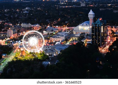 Niagara SkyWheel and night entertainments in Niagara falls