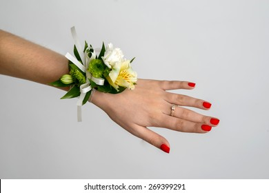 Nice and beautiful wedding bracelet on the bride hand