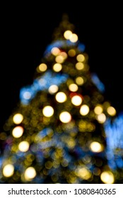 Nice christmas light with defoused, Bokeh light background in holiday