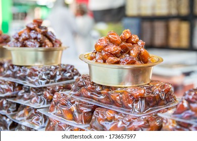 nice looking dates selling in asian market