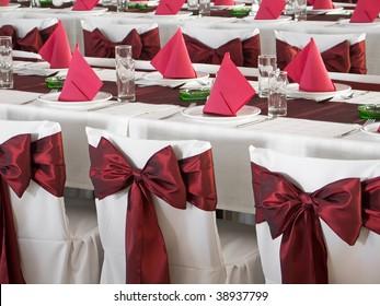 Nice red wedding table set