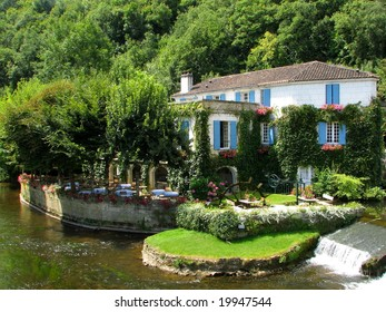 A nice small house in Brantome (France)