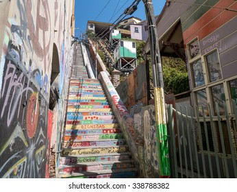 A nice walking tour around Valparaiso, Chile