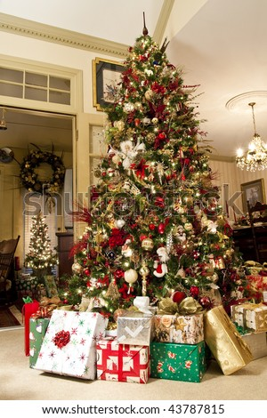 Nicely Decorated Christmas Tree Presents Family Stock Photo Edit
