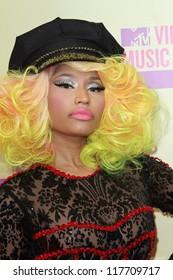 Nicki Minaj suku puoli video