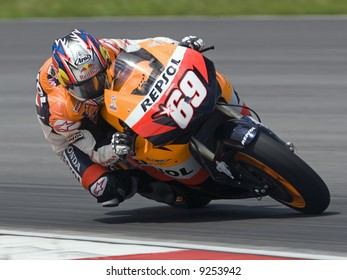 Nicky Hayden at 2008 pre-season test in Sepang, Malaysia.