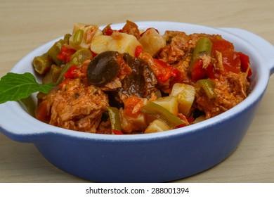 Nicoise salad with tuna, potato and olives
