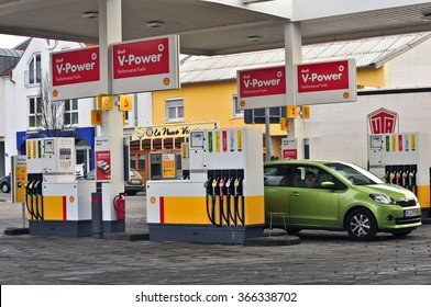 NIEDER-OLM,GERMANY-JAN 22:SHELL fuels and petrol station on January 22,2016 in Nieder-Olm,Germany.