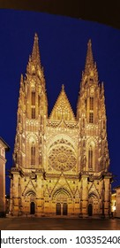 Nigh view to the front facade of St.Vitus church at Prague castle - Praha  Czech republic