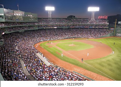 Night baseball game at historic Fenway Park, Boston Red Sox, Boston, Ma., USA, May 20, 2010, Red Sox versus Minnesota Twins, attendance, 38,144, Red Sox win 6 to 2