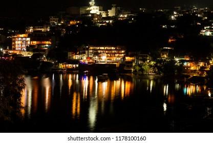 a night between lights and the lake of San Pedro la Laguna