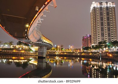 Night Bridge - the bridge like a dragon in Kaohsiung, Taiwan