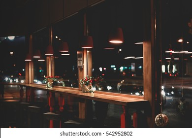night cafe windows