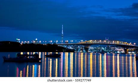 Night lights of Auckland City