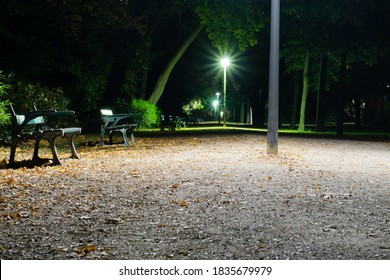 A night in a park with low light