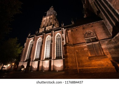 Night photography of the old hanseatic town of Zutphen on the river 'IJssel'. Monumental medieval center with atmospheric streets and beautiful architecture.