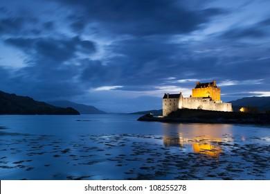 Night picture of Elian Donan Castle, Isle of Skye, Scotland
