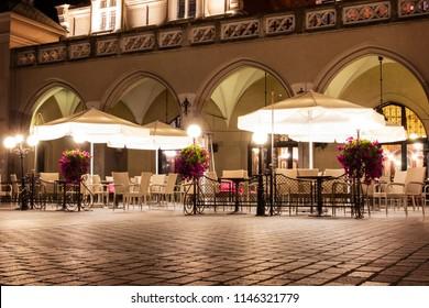 Nachtrestaurant in Krakau am zentralen Platz.