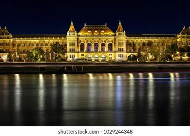 The night scene of the Budapest Danube river