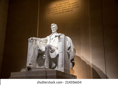 A night shot of the Abraham Lincoln Memorial in Washington, DC.