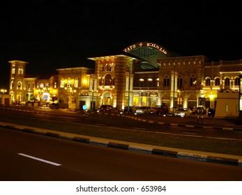 night shot of marcato mall in dubai