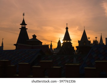 Night silhouette of Izmailovo Kremlin in Moscow, historic place. Popular landmark and place for walking