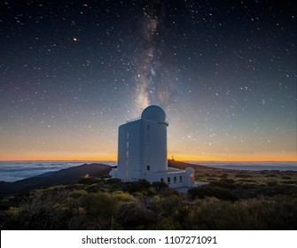 night, starry sky above the astronomical observatory in the Teide volcano national park in Tenerife