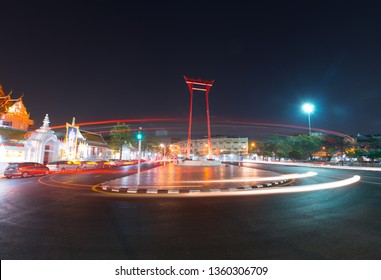 Night at Swing pillars in Bangkok.Sao Chingcha is the architecture created for the ceremony of swinging in the royal ceremony of the tri-yam phai teripiwa of the Brahmin-Hindu religion.
