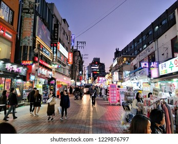 Night time at Dongdaemun market ,street shopping or shopping area packed with international fashion brands at Seoul,South Korea with people are walking on the autumn season.Nov 14,2018 : South Korea.