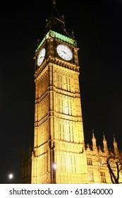 Night time image of Big Ben in London, England