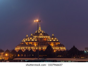Night view of Akshardham or Swaminarayan Akshardham complex, a Hindu temple, and a spiritual-cultural campus in Delhi, India.
