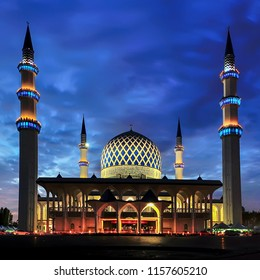 A night view at Blue Mosque, Shah Alam, Malaysia. Blue Mosque or Sultan Salahudin Abdul Aziz Shah Mosque is the state of mosque of Selangor,Malaysia
