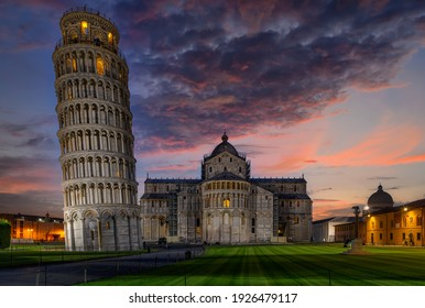 Night view of Cathedral (Duomo di Pisa) with the Leaning Tower of Pisa (Torre di Pisa) on Piazza dei Miracoli in Pisa, Tuscany, Italy