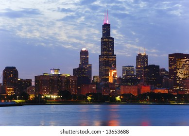 Night view of Chicago skyline