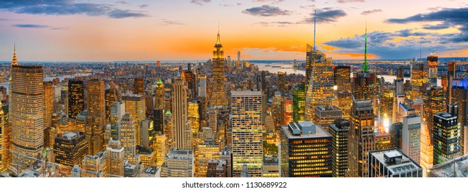 Night view of Manhattan from the skyscraper's observation deck. New York. USA.