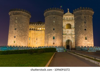 Night view of medieval castle Maschio Angioino or Castel Nuovo in Naples, Italy
