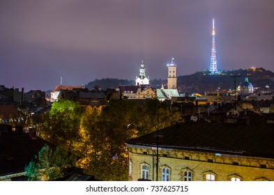 Night view of old city Lviv
