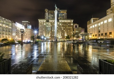 A night view of the Union Square in downtown San Francisco,California,United States.A landmark of the area with a column of a statue of Victory holding a trident on top in the heart of the city center
