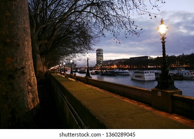 Night view of Westminster South Bank, promenade, nobody present.