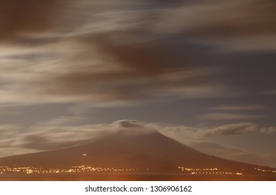Nightly panoramic view to the Pico vulcano at the Azores