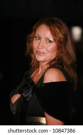 Niki Evans at the World Premiere of 'The Golden Compass' at the Odeon Leicester Square in London - 27 November 2007