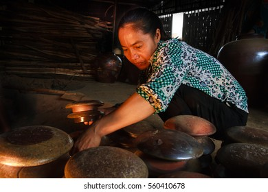 Ninhbinh, VIETNAM January 8, 2017: workers in earthenware factory. This is the factory of the Vietnam traditional handicrafts.