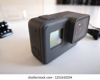 Nis, Serbia, 12.7.2018. GoPro Hero 5 Black - it's like new. Photos for selling this action camera - Unboxed.