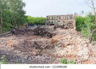 Nizhny Novgorod, Russia. - May 24.2018. Demolition of an abandoned residential stone two-story house on Sovetskaya Street 2A.