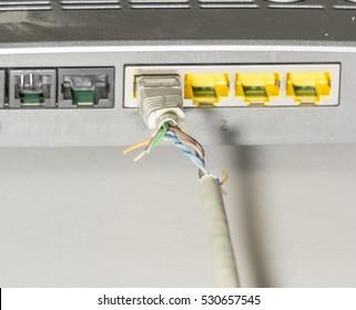 No connection, network plug, broken cable