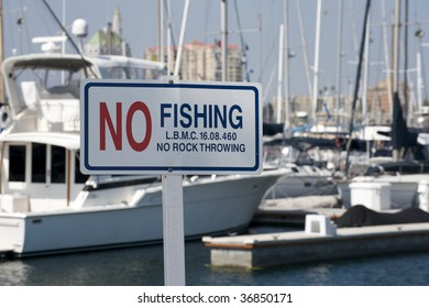 No Fishing and no rock throwing sign at Long Beach Marina
